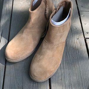Brand New Tom boots size 6